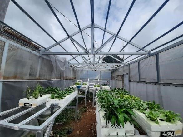 Implementasi Sistem Pemantau Ruang Tumbuh untuk Keperluan Budidaya Sayur-Sayuran dengan Sistem Akuaponik di Desa Citeureup Kecamatan Dayeuhkolot Kabupaten Bandung